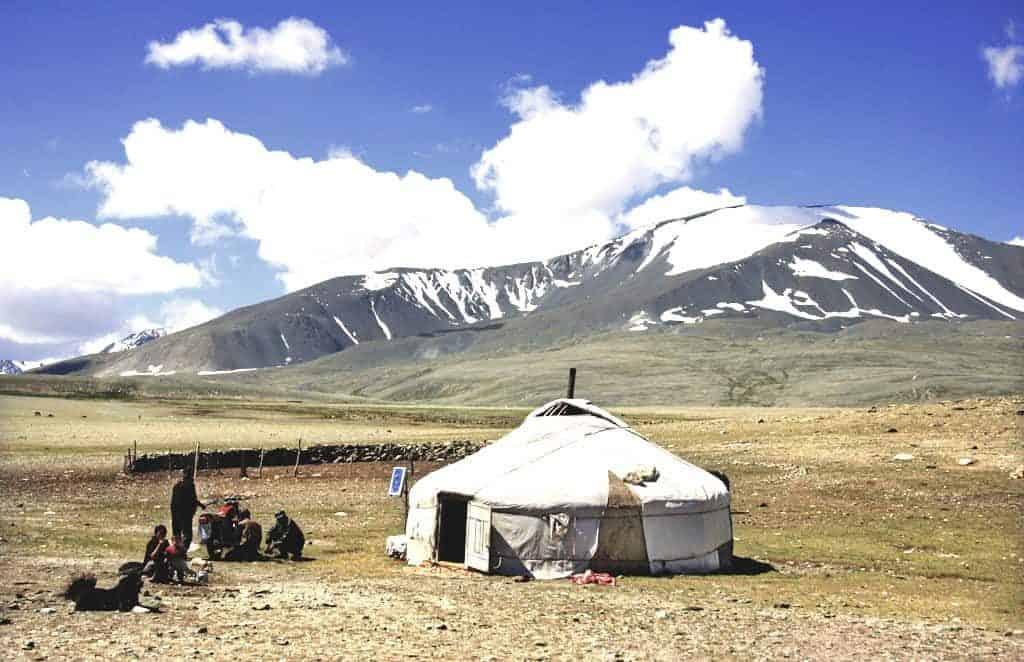 Kasachische Familie am Tsengel Berg