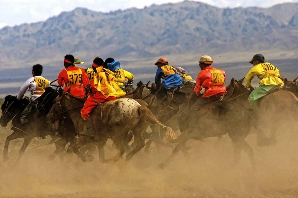 horse-race-naadam