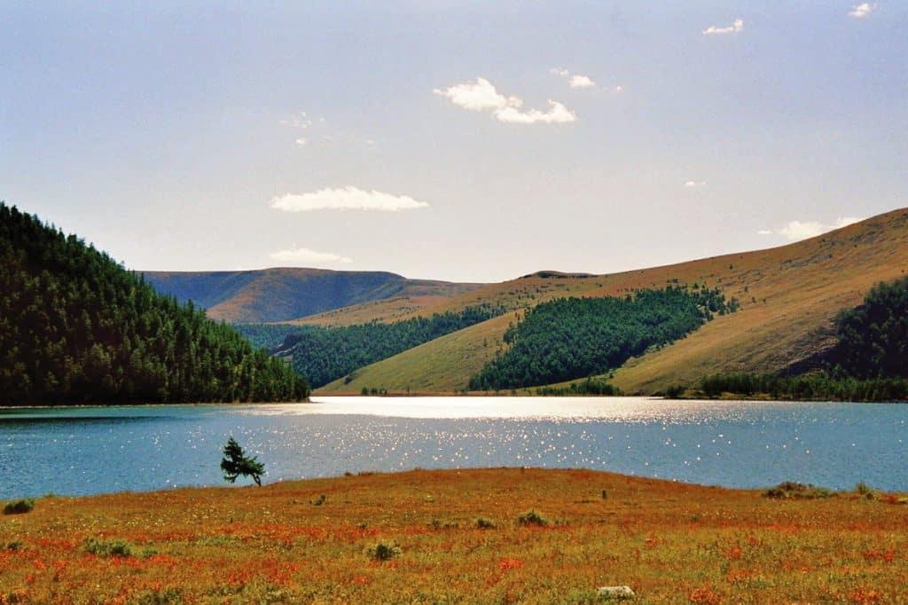 naiman-nuur-lake